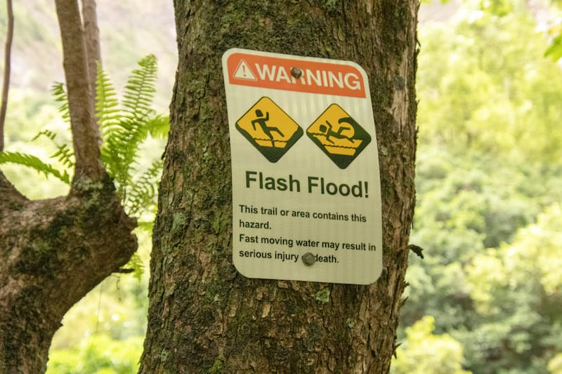 Flash flood warning - Lourdes Venard - Shutterstock.com